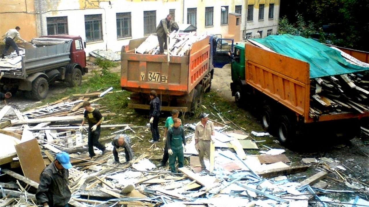 Вывоз мусора самосвалами. Перевозка Зилом, Камазом - Ставрополь, цены, предложения специалистов